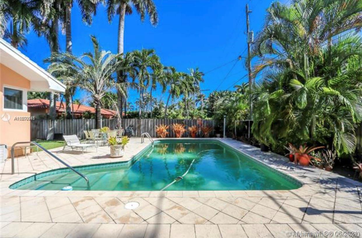 gorgeous house, beautiful pool ,