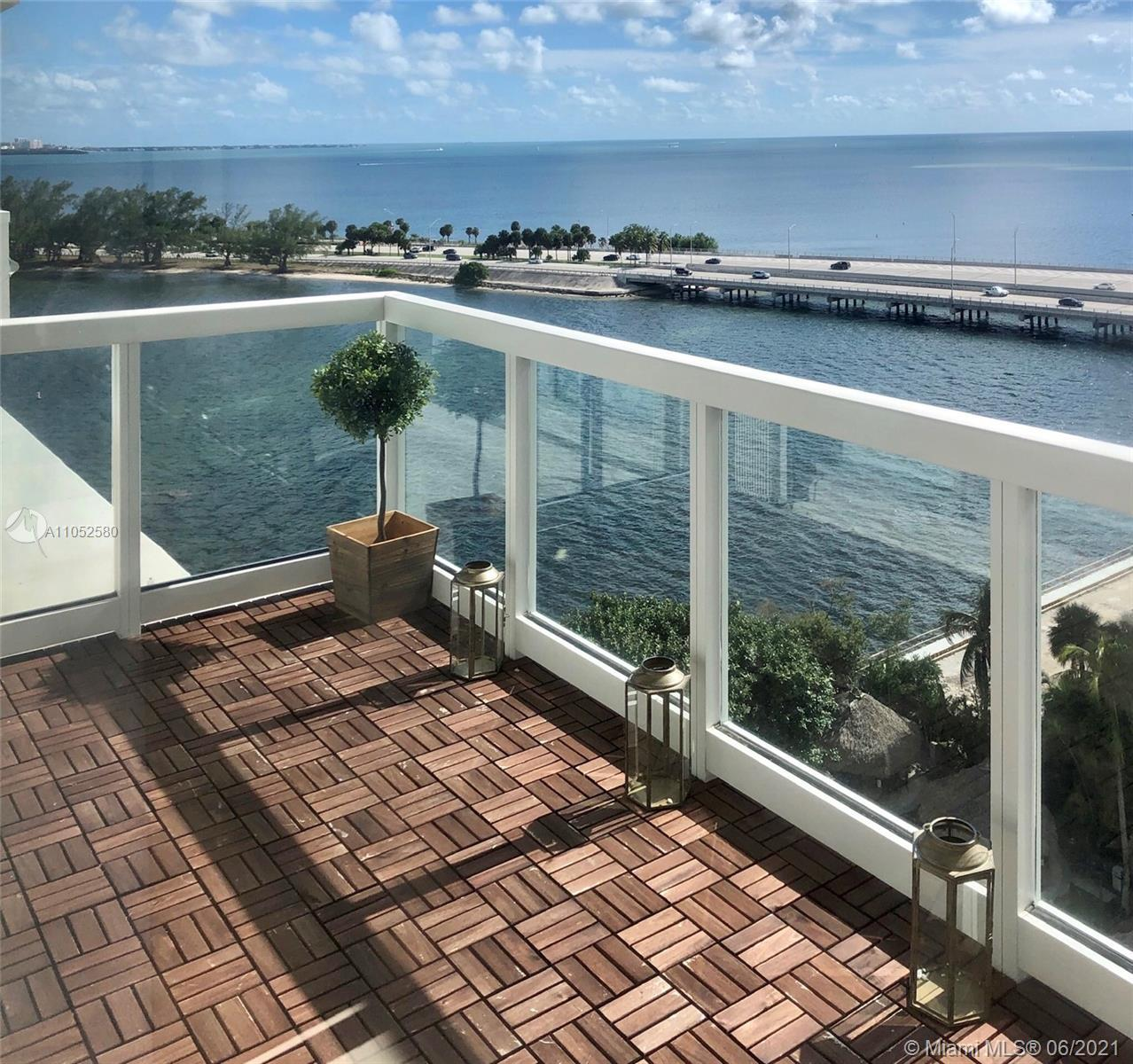BR/2BA Magnificent, sophisticated smart home!! Fully renovated apt with European kitchen, cabinets,