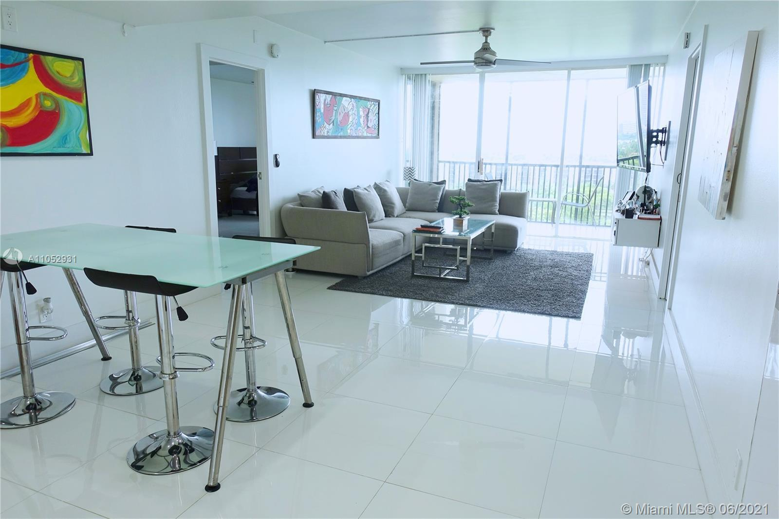 Live the life of your DREAMS with this OUTSTANDING 2/2 DELUXE CONDO, Unit offers the ultimate in lux