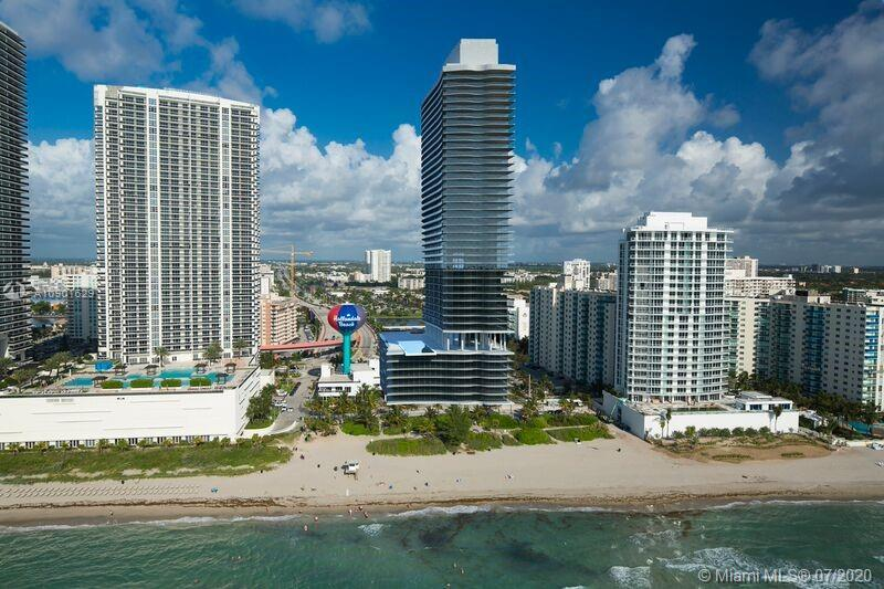 Corner unit with ocean view located right on the beach! Furniture by Artefacto is included. Hyde is