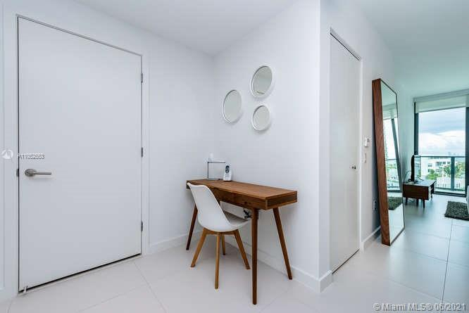 Architect's pied a Terre, beautifully furnished and fully equipped apartment for sale 1 bedroom with