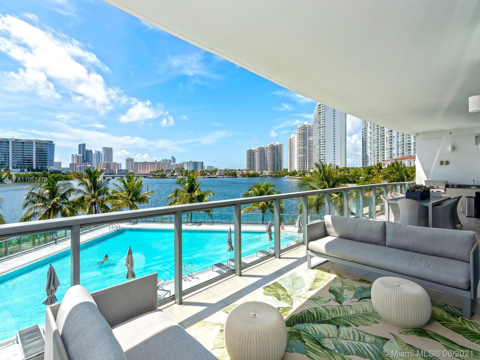 Amazing unit at Echo Aventura with 4 bedrooms (4th Bedroom is a DEN) + Maids Quarters in the most so