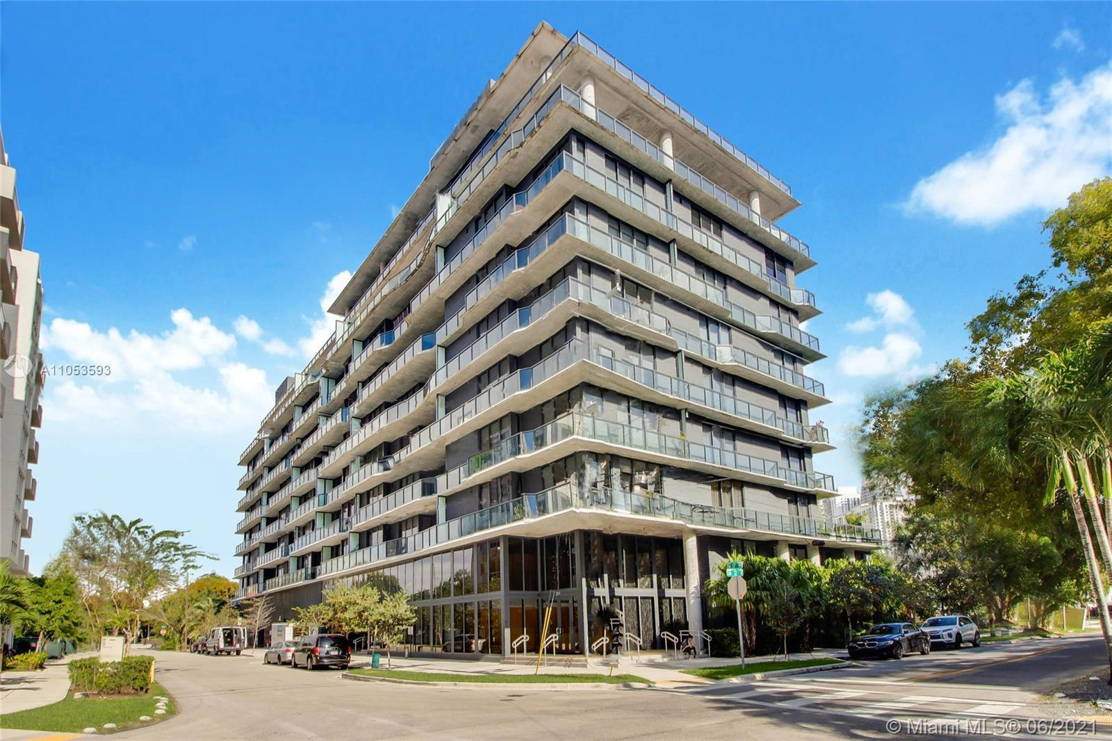 A Real Boutique experience in Miami, with only 80 residences. This beautiful 1 bed/1 bath residence