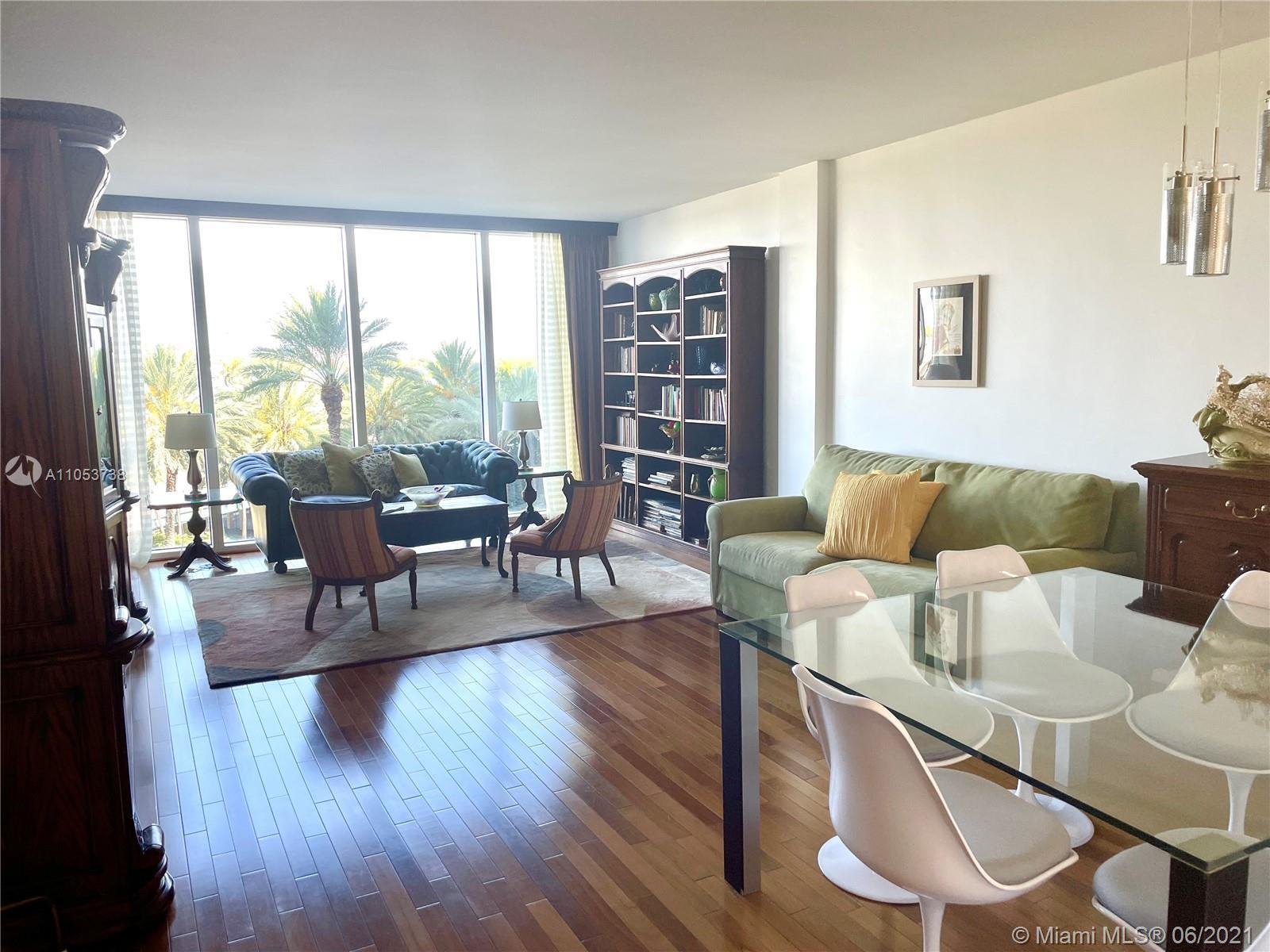 Bal Harbour Lifestyle .Fantastic apartment with wooden floors , oak doors and frames , walk in close