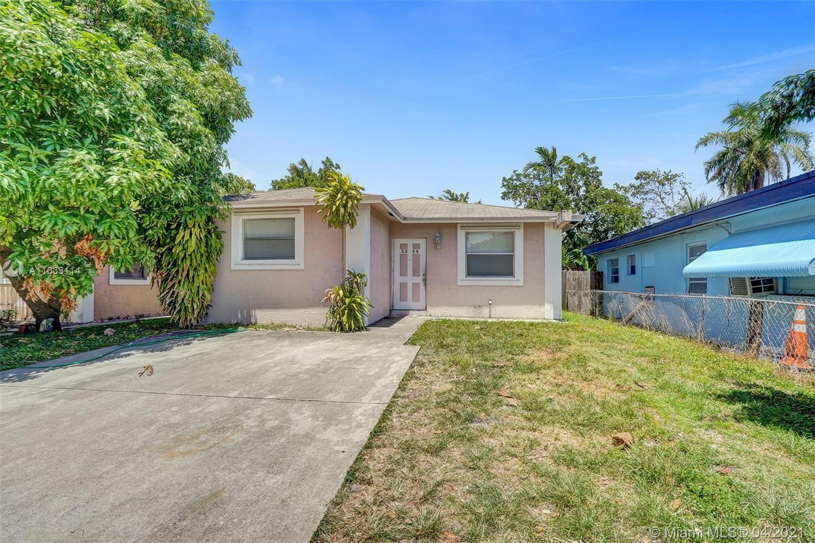 BACK IN THE MARKET!!! WELL MAINTAINED 4/3! VERY SPACIOUS, FRESHLY PAINTED. TENANT IS MONTH TO MONTH.