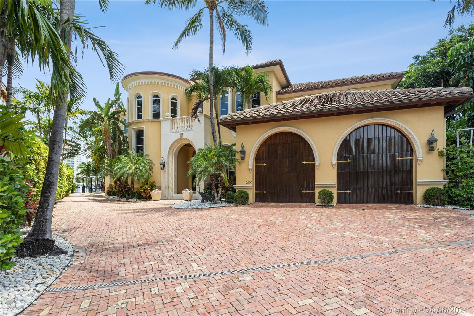 """INTRACOASTAL POINT LOT home, where elegance meets modern design! 194"""" of water frontage to dock your"""