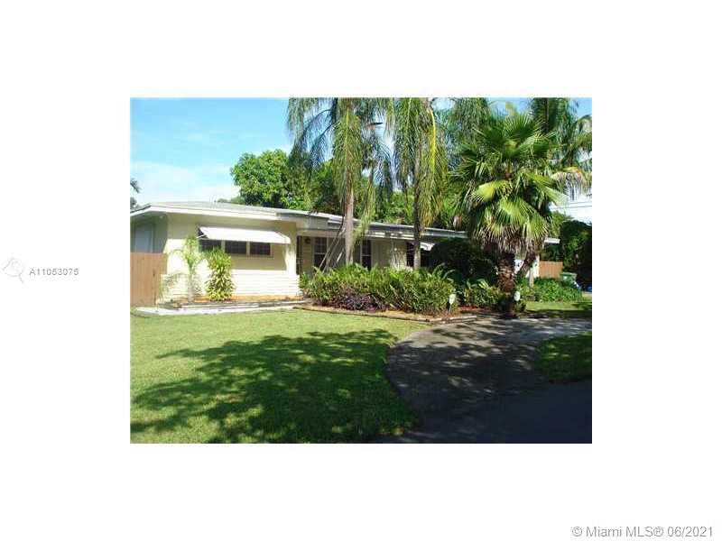 Amazing opportunity to own this spacious 3/2 home located in the gated community of Morningside.