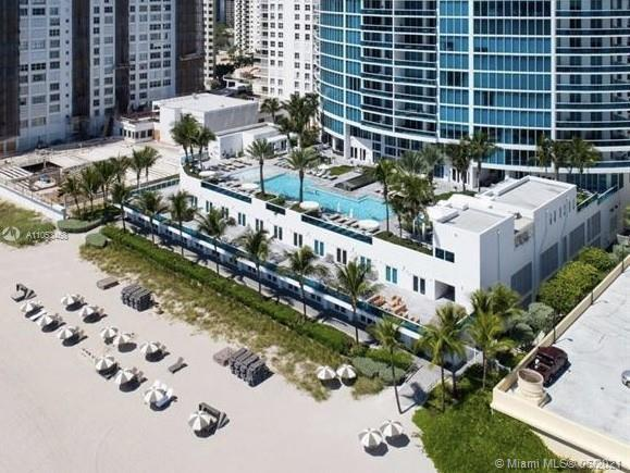 HOLLYWOOD OCEAN FRONT 3 bed + Den condo residence. 3,395 sq ft under air. Designer decorated & furni