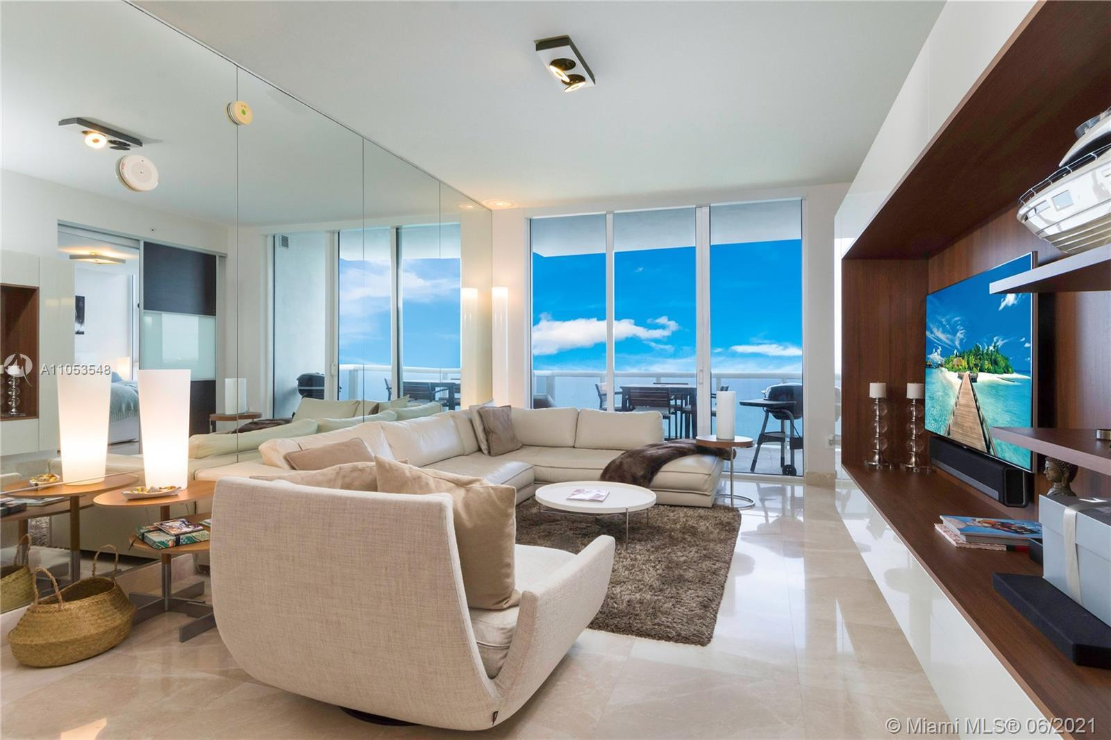 This 2 Bedrooms, / 2,5 Bathrooms residence boasting breathtaking ocean views from every room and spa