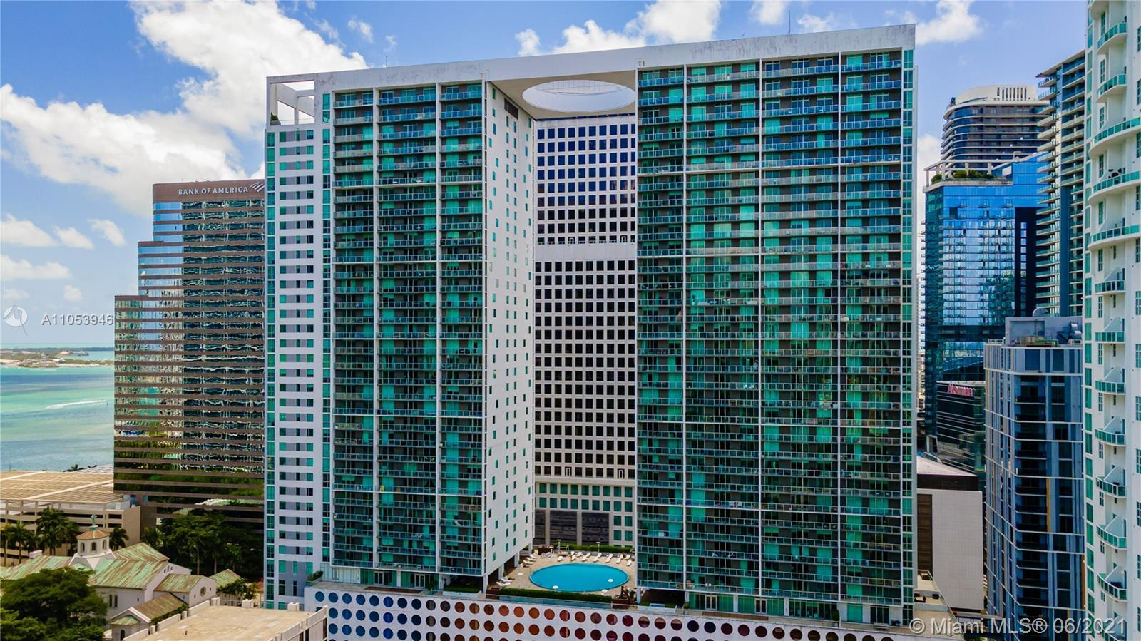 In the heart of downtown Miami, with a luxury urban oasis lifestyle, this corner unit offers spectac