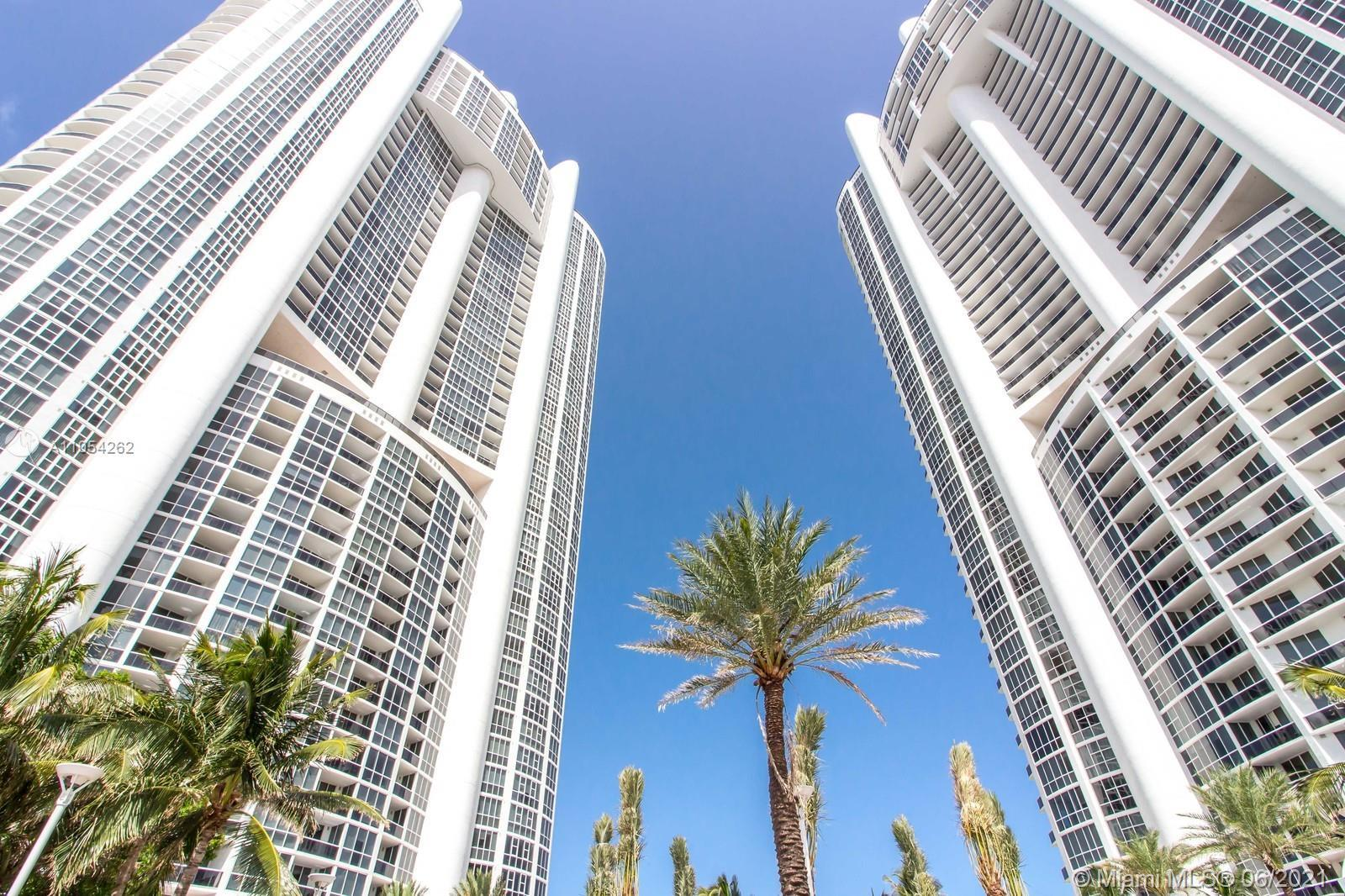 39th floor views of intracoastal (sunset) and ocean (sunrise) and all the great amenities including