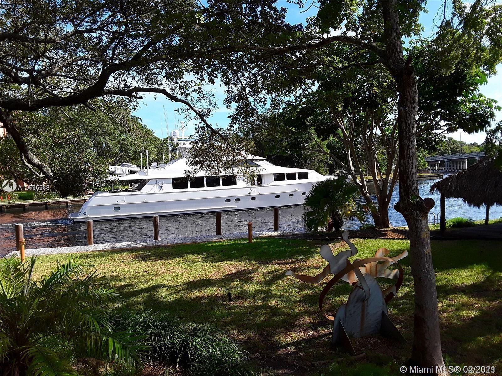 * THE LARGEST LOT IN EAST FORT LAUDERDALE WITH MEGA YACHT DOCKAGE *  MASSIVE 32,000 SQ FT PROPERTY D