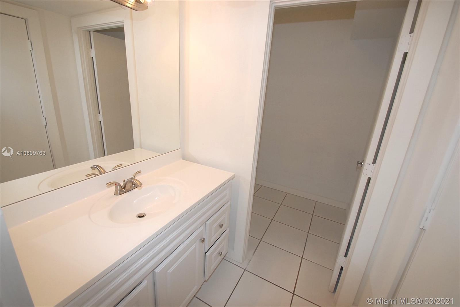 Great Investment! Junior One bedroom 760 Sqft. Live in paradise and rent when you are away! The Rone