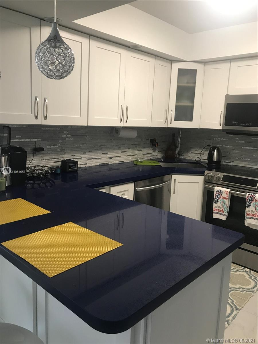 SPECTACULAR 2BED/2BATH!!STUNNING  FULLY RENOVATED!!! PORCELAIN TILES THROUGHOUT INSIDE AND ON THE BA