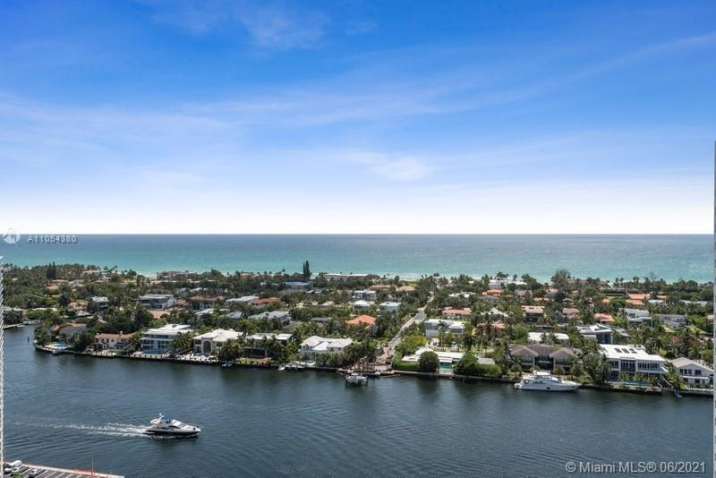 YOU CAN HAVE IT ALL!   Captivating direct ocean views & a spacious, 1560sf split bedroom condo in a