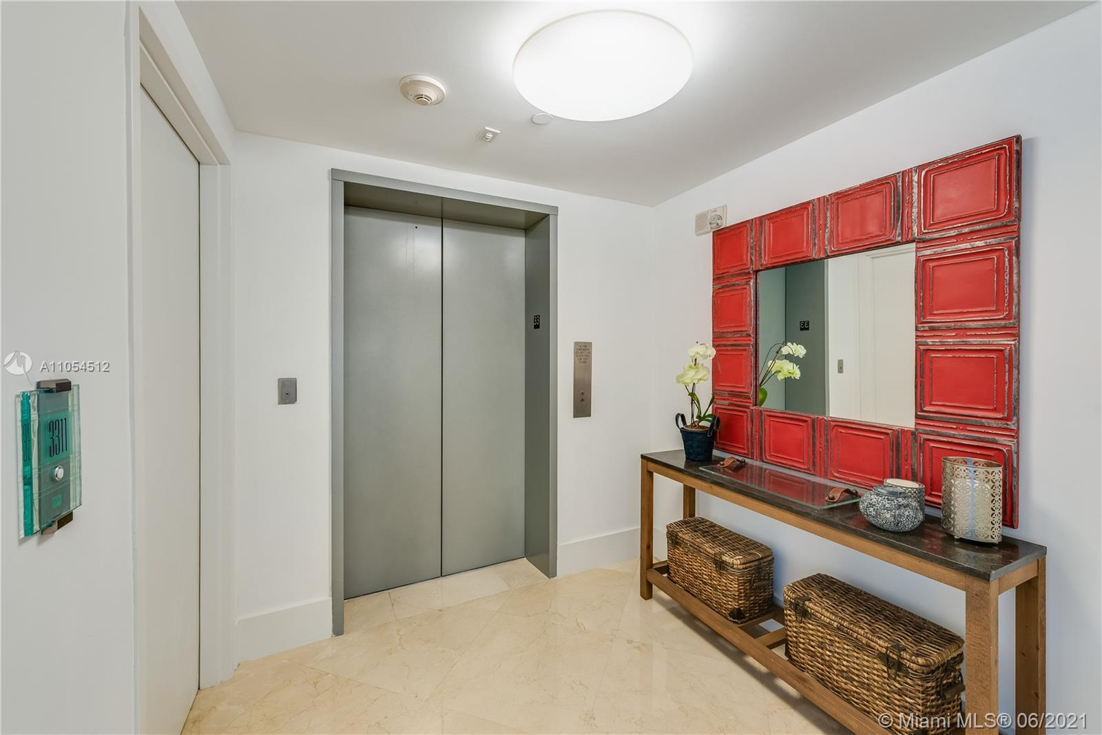 Amazing unit. Southeast views, four bedrooms, 4.5 bathrooms. Concierge services to tend to your high