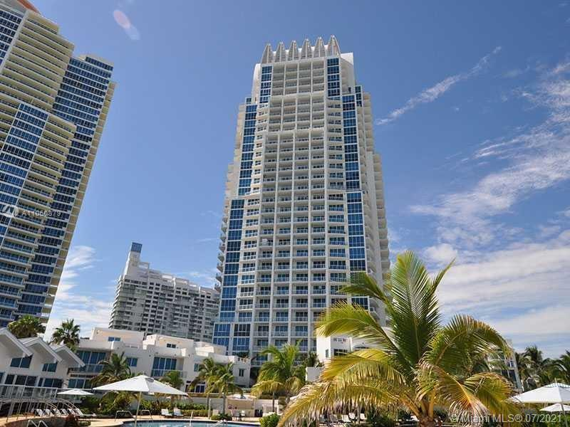 Bright and spacious Studio Fully Furnished turn key, sleeps 5. Continuum North Tower located in Sout