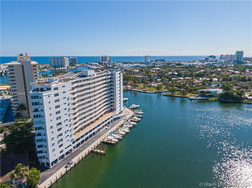 Welcome to Paradise! Gorgeous waterfront condo located in the heart of Las Olas. Boaters welcome wit