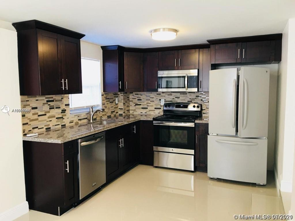 Come take a look at this spacious 4/2 that has been beautifully remodeled! This property also has an