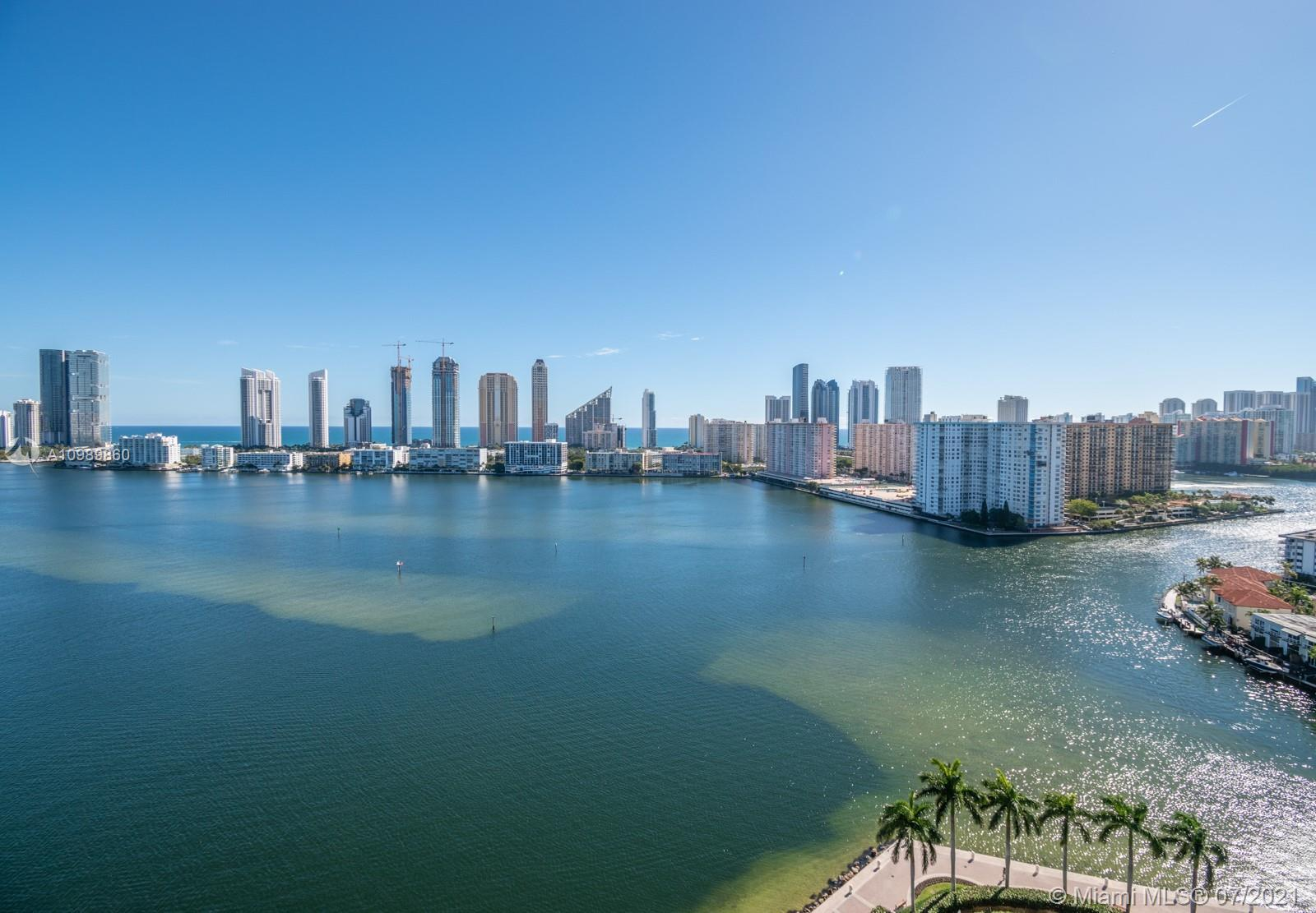 LIVE THE FIVE STAR RESORT LIFESTYLE ON WILLIAMS ISLAND IN THIS BEAUTIFULLY RENOVATED HIGH FLOOR, COR