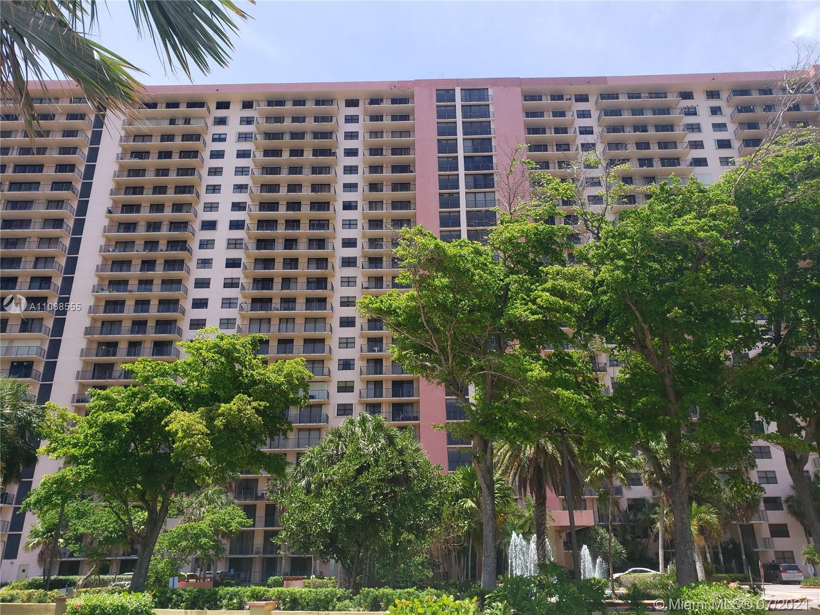 Beautiful remodeled corner unit in the heart of Sunny Isles Beach. Amazing panoramic views of the Oc