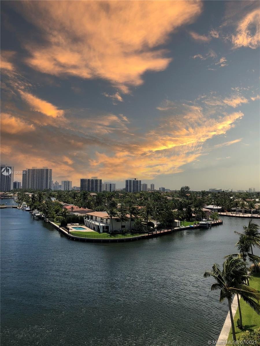 FANTASTIC OPPORTUNITY Large 2BR/2BA condo with the most amazing 180 degrees intracoastal and ocean
