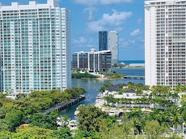 Enjoy the beauty of the sea and the city from your balcony! This great apartment features kitchen wi