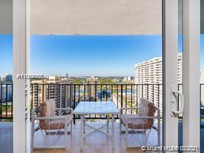 Be on vacation all year around in corner unit,This 2 bedrooms 2 baths in High floor, with spectacula