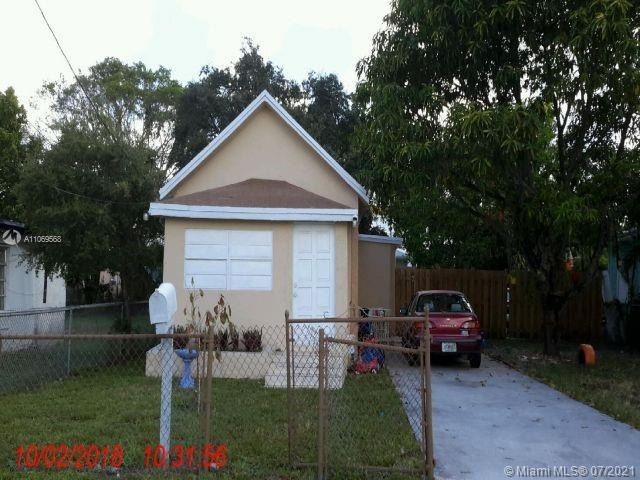 GREAT FOR INVESTMENT. WILL NOT LAST LONG. CLOSE TO A1A AND THE BEACHES, PLACES OF WORSHIP AND FINE D