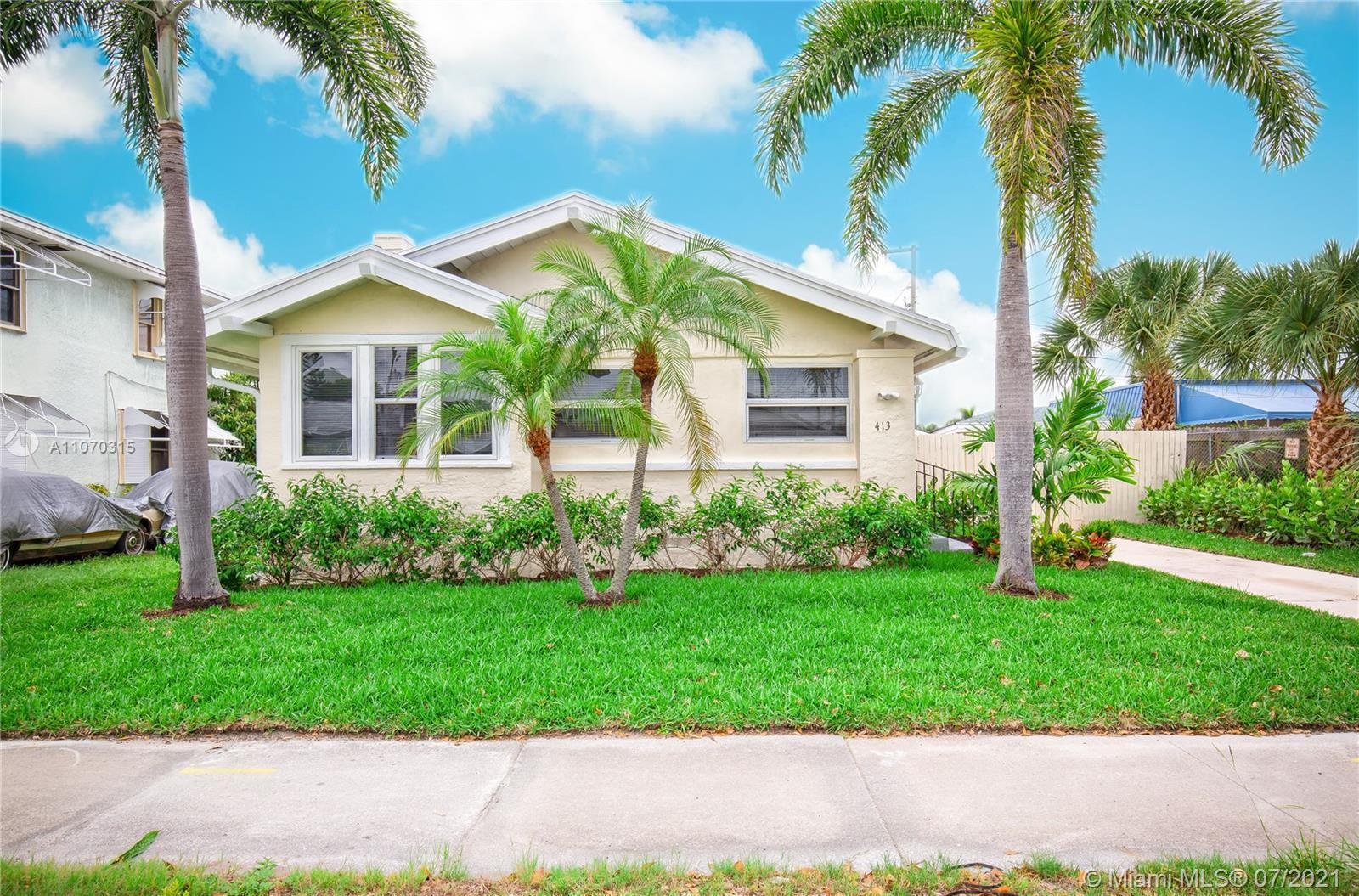 Rare gem! Beautifully updated and landscaped craftsman-style home located in the heart of WPB 1,326