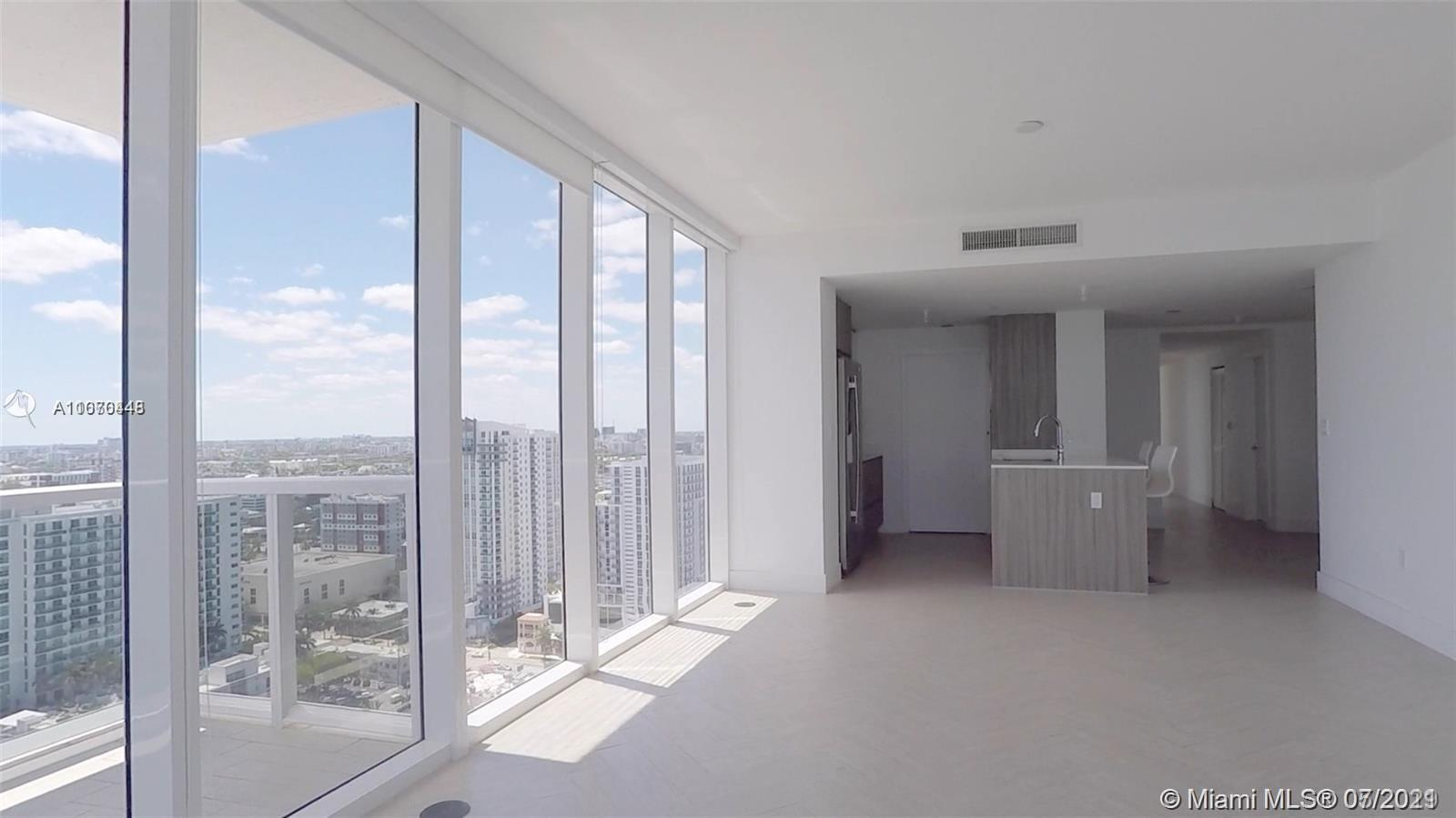 BEST PRICE IN EDGEWATER! Direct bay views from this 3 Bed/2.5 Bath. Expansive floor plans, panoramic