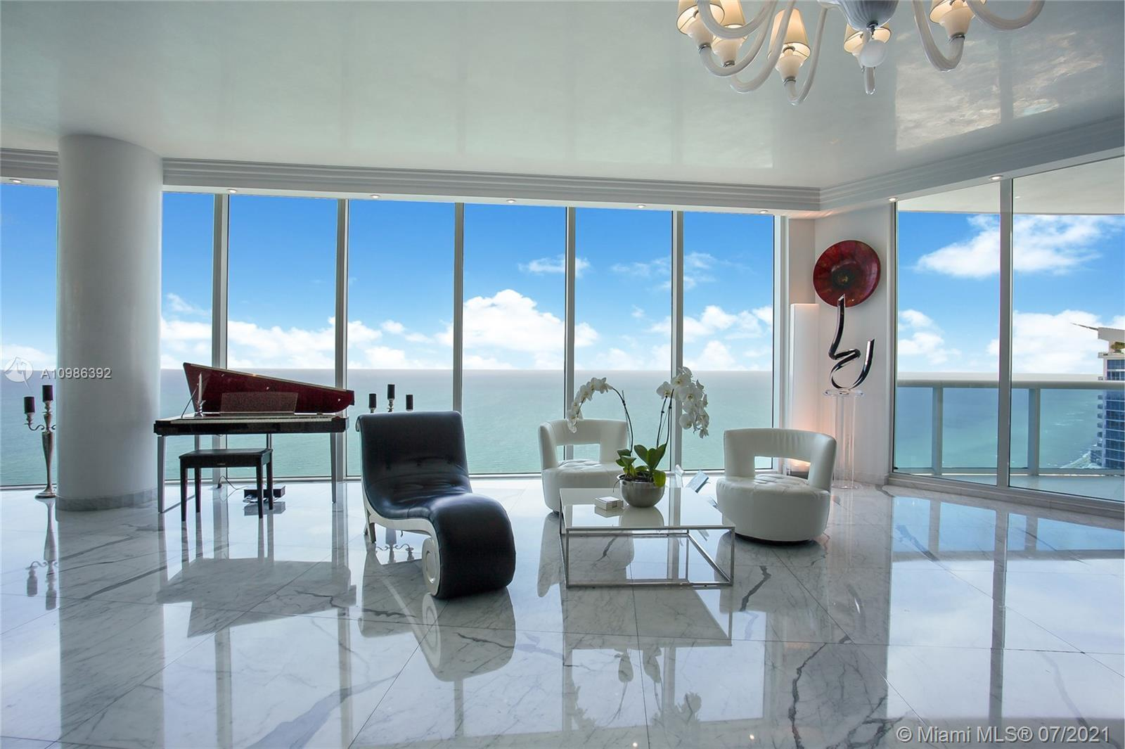 Best Deal on the market ! SKY VILLA! Panoramic Direct SE Ocean,Intracoastal& Miami Sky Line Views!