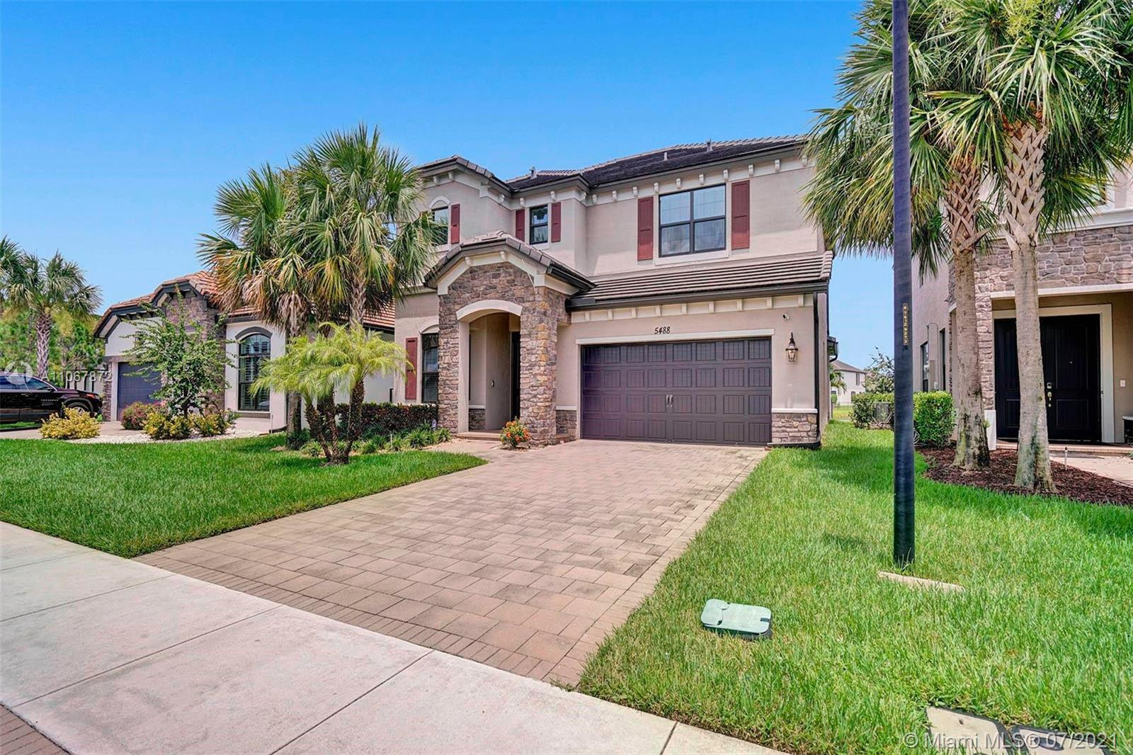 Amazing Home with 4 bedrooms and large loft/den or game room area, 3.5 baths, 2 car garage with a la