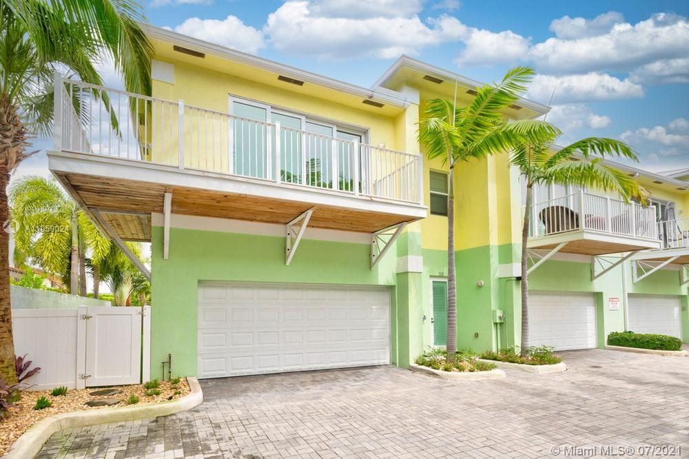 Lovely 3 bedroom, 3 bathroom townhome in Pompano Beach! This perfect starter home or investment oppo