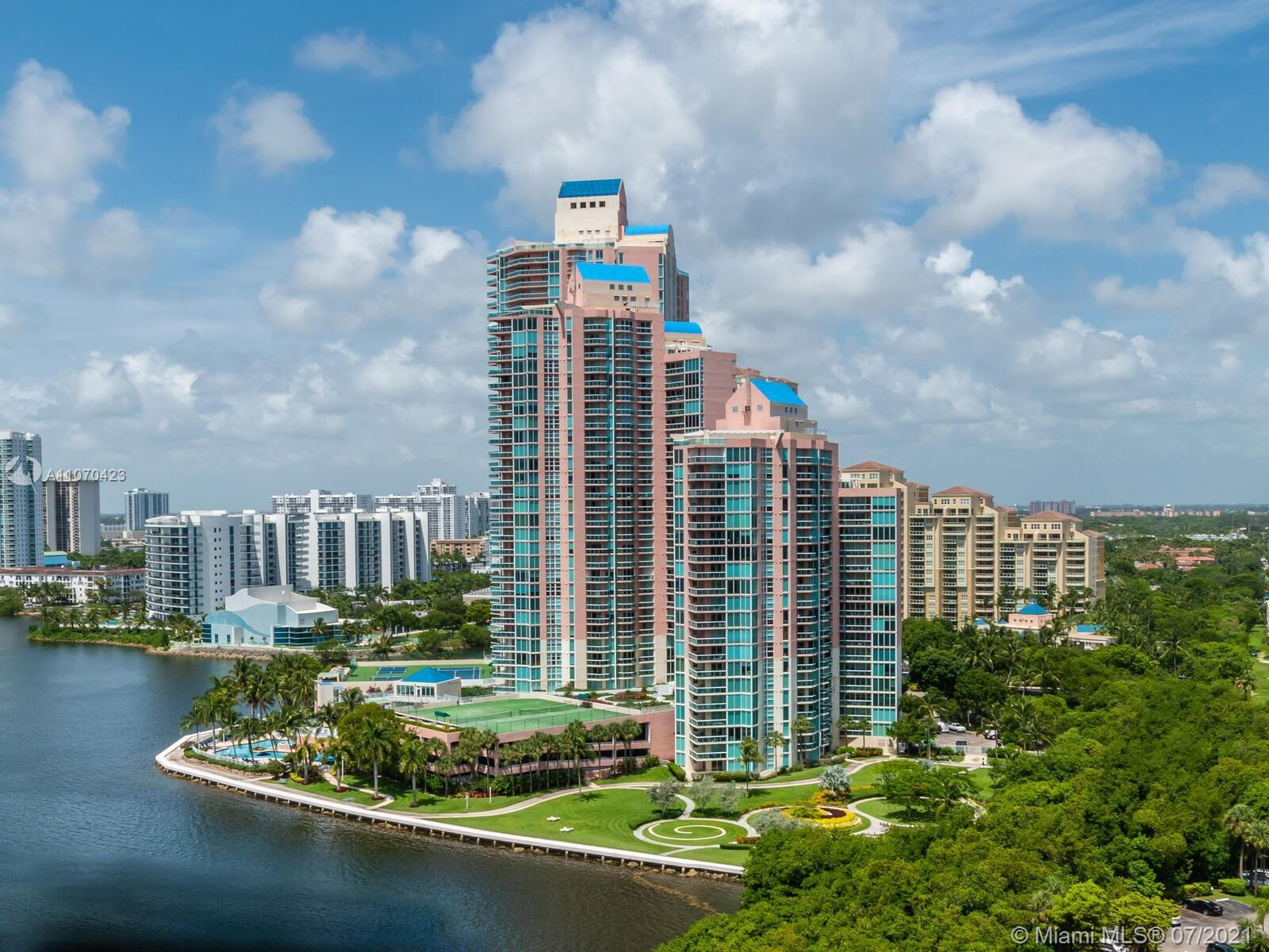 Spacious turnkey unit fully furnished available for sale in the heart of Aventura only few minutes f