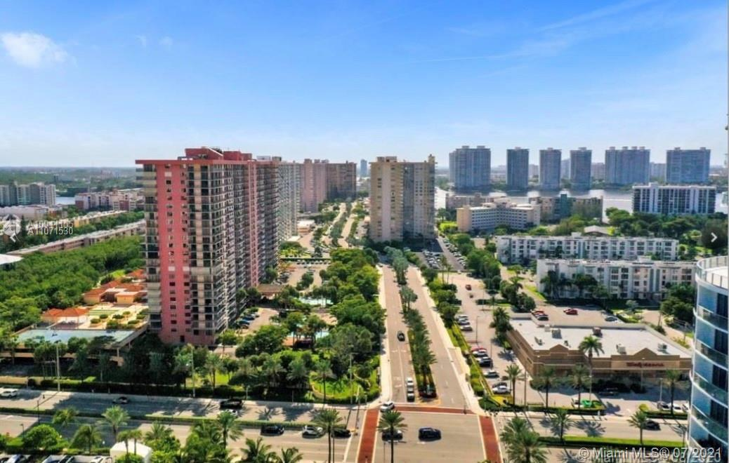 LOCATION is everything! Oversized 1 bed/1.5 baths condo for sale at the very center of Sunny Isles i