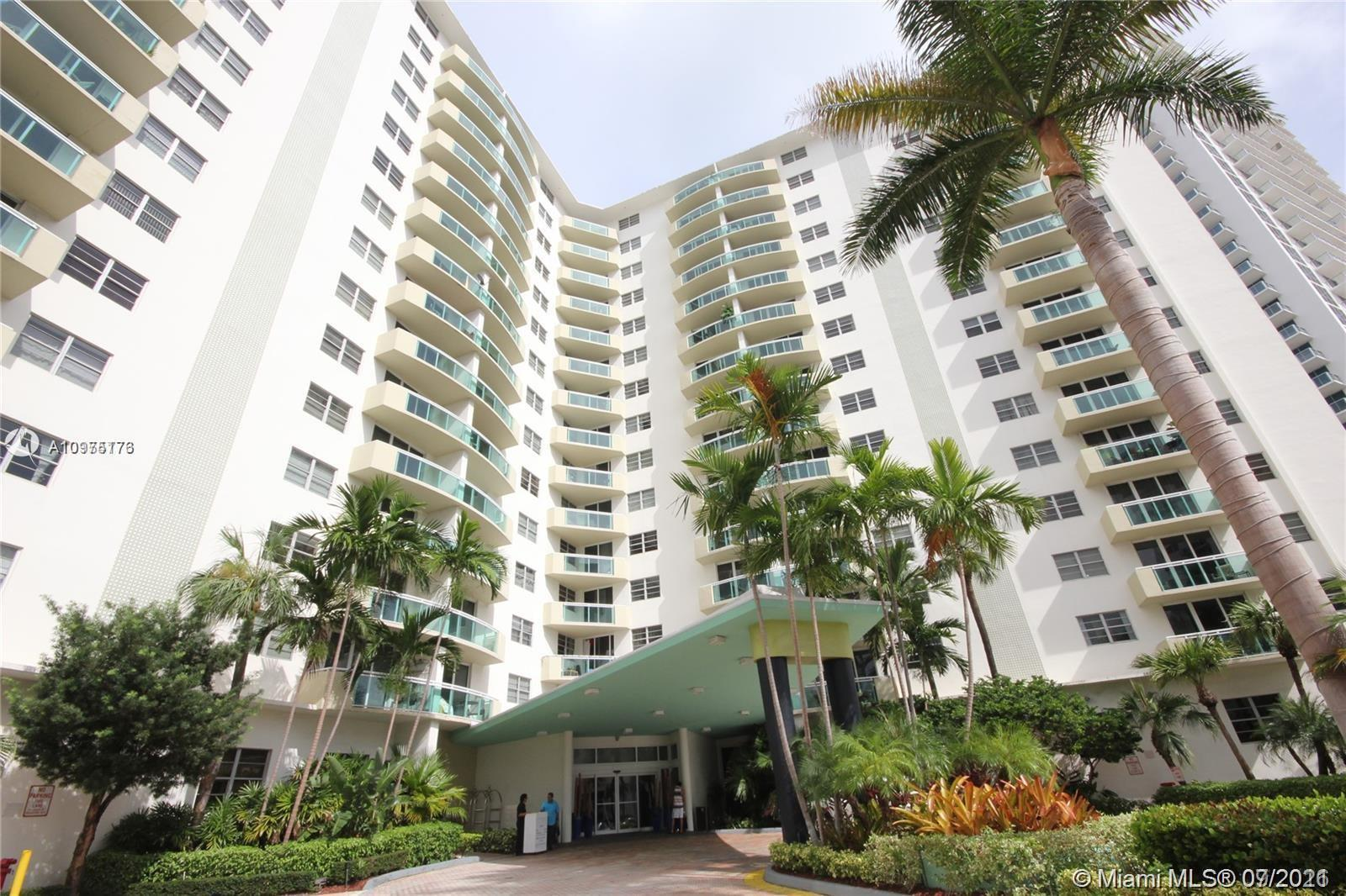 Best Deal in the bldg! Immaculate, like Modern Kitchen, Bright Spacious Living Area, Glass Balcony,