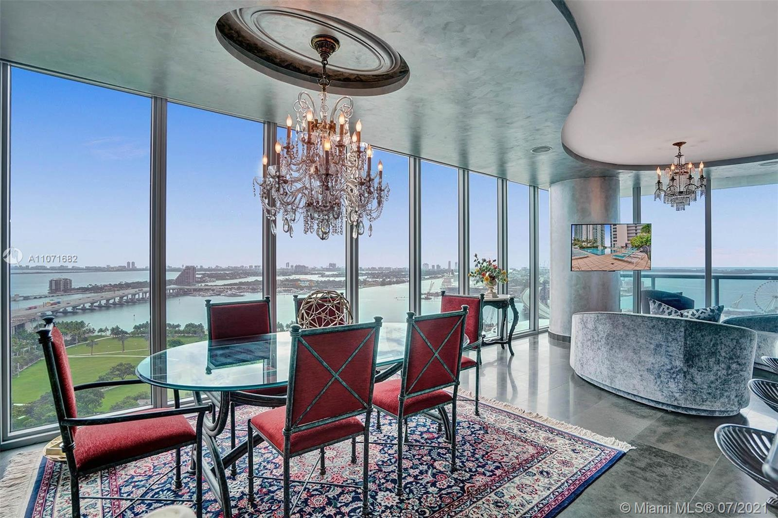 Best line in the building! This one of a kind 08 line has panoramic 270-degree views like no other i
