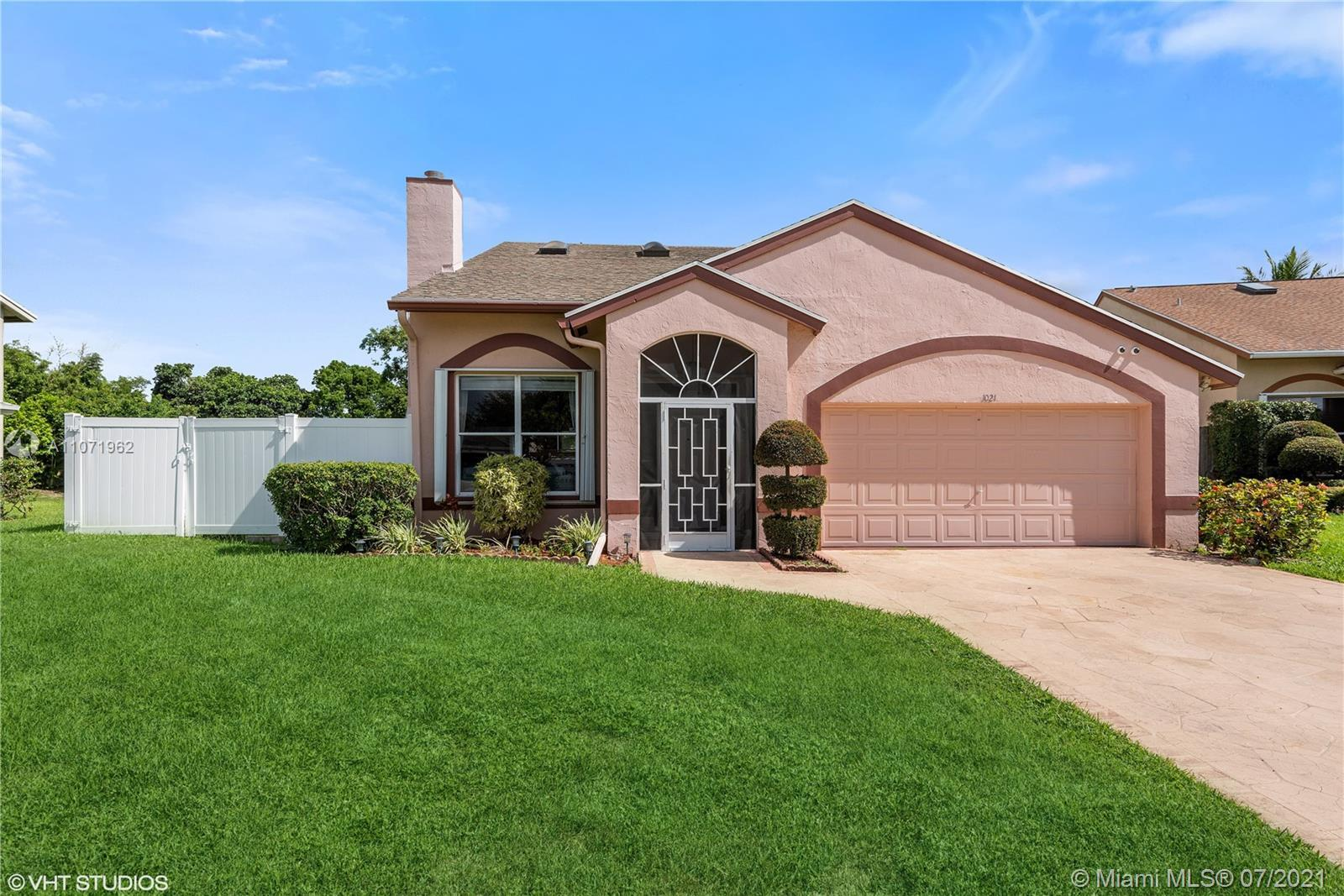 Gorgeous & Upgraded home located in a private cul-de-sac lot in Old Boynton Estates. Two-story built