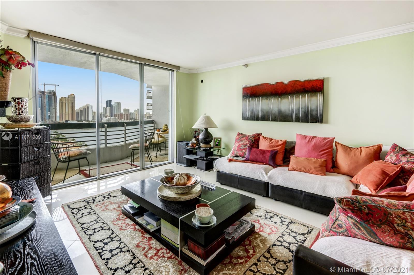 Beautiful 2 bedrooms and 2 full baths with unobstructed water views from every room. Property featur