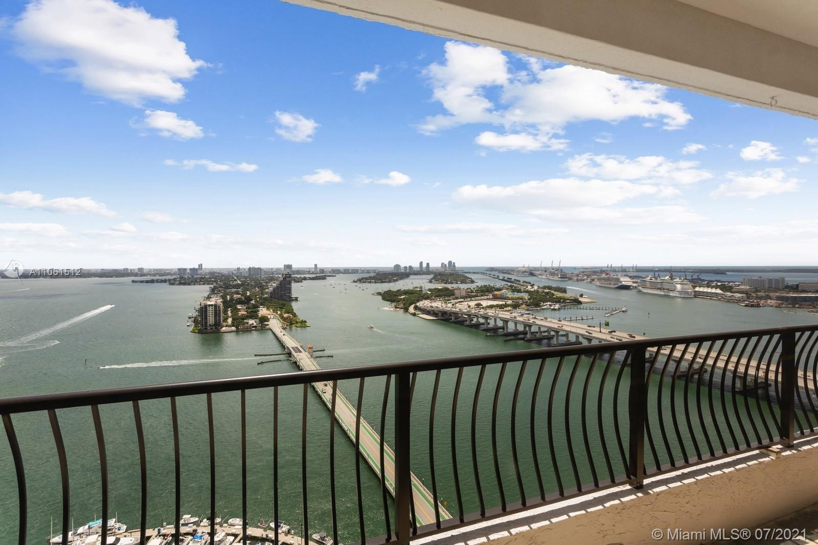 RARELY AVAILABLE, HIGHLY DESIRABLE CORNER PENTHOUSE NOT TO BE MISSED. PANORAMIC VIEWS FROM EVERY RO