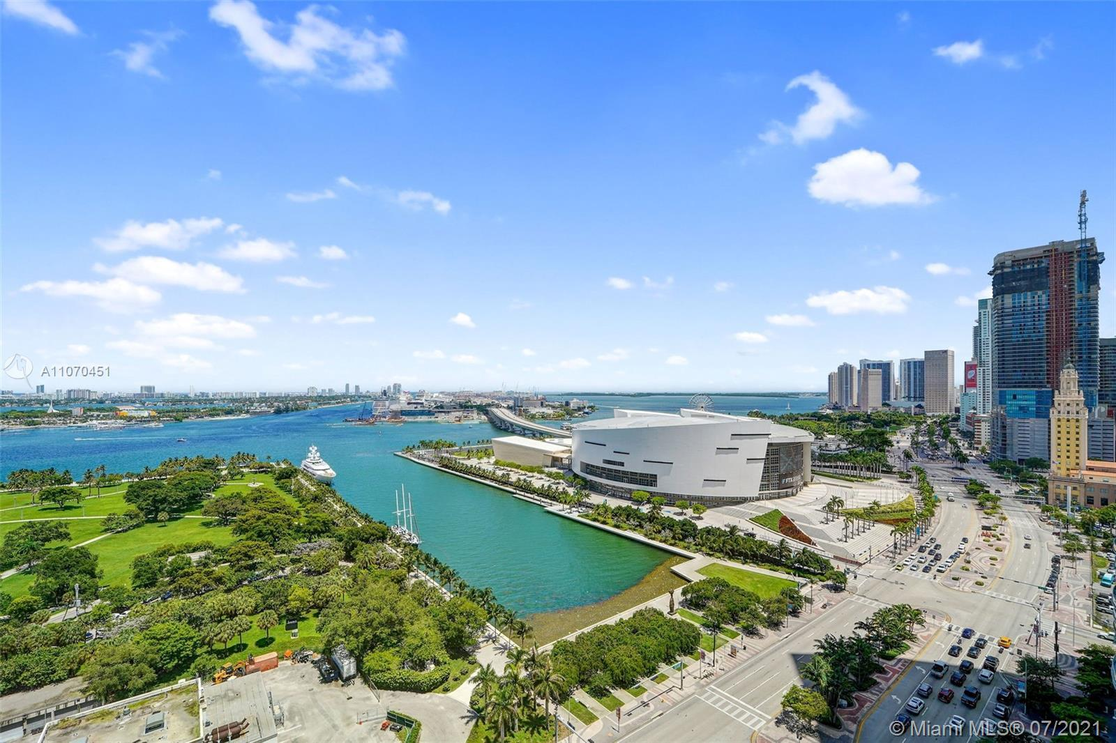 Miami condo in exclusive 900 Biscayne; currently rented; 1 BR plus a Den & 2 Full Bathrooms; Full Am