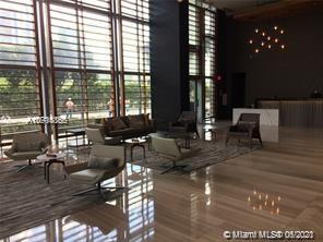 FANTASTIC 180* VIEW OF MIAMI STEPS AWAY FROM DESIGN DISTRICT, SHOPPING, AND RESTAURANTS. MINUTES FR