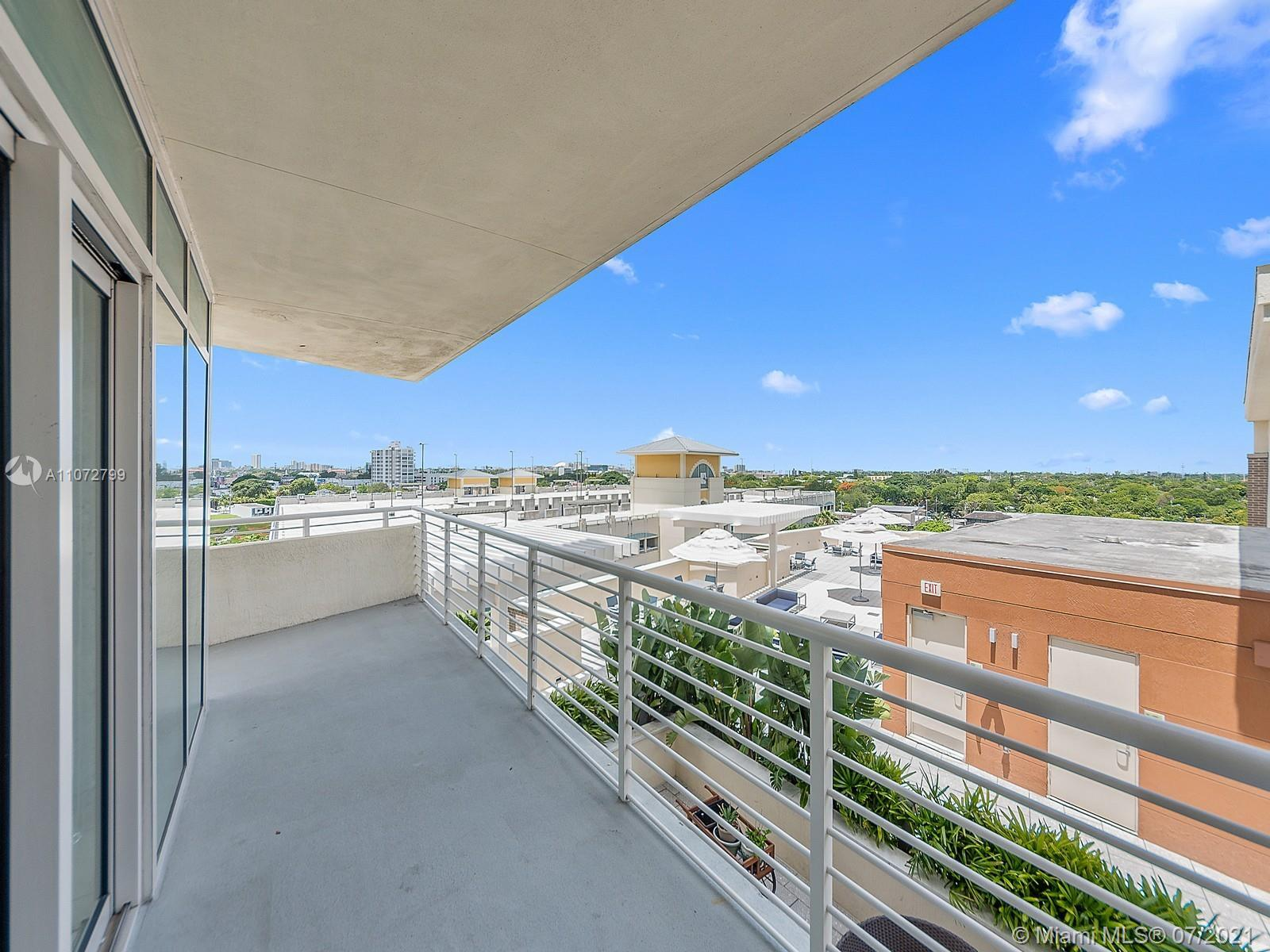 Live in the heart of Midtown and enjoy all the neighborhood has to offer while soaking in the Miami