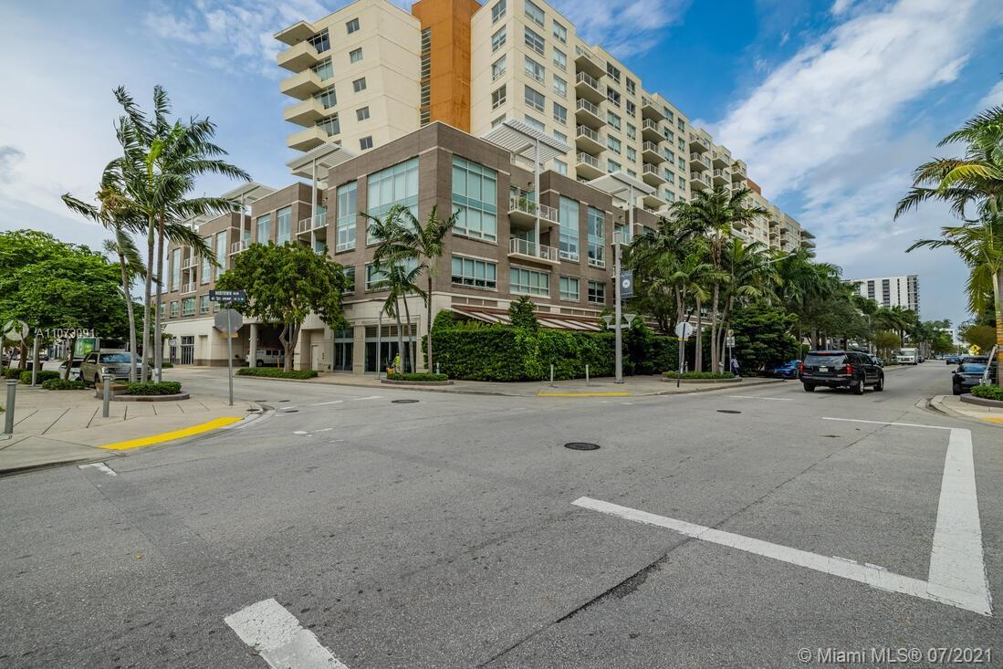 Gorgeous 2/2 in the heart of Midtown miami , fully furnished turnkey ready to make you money NO rent