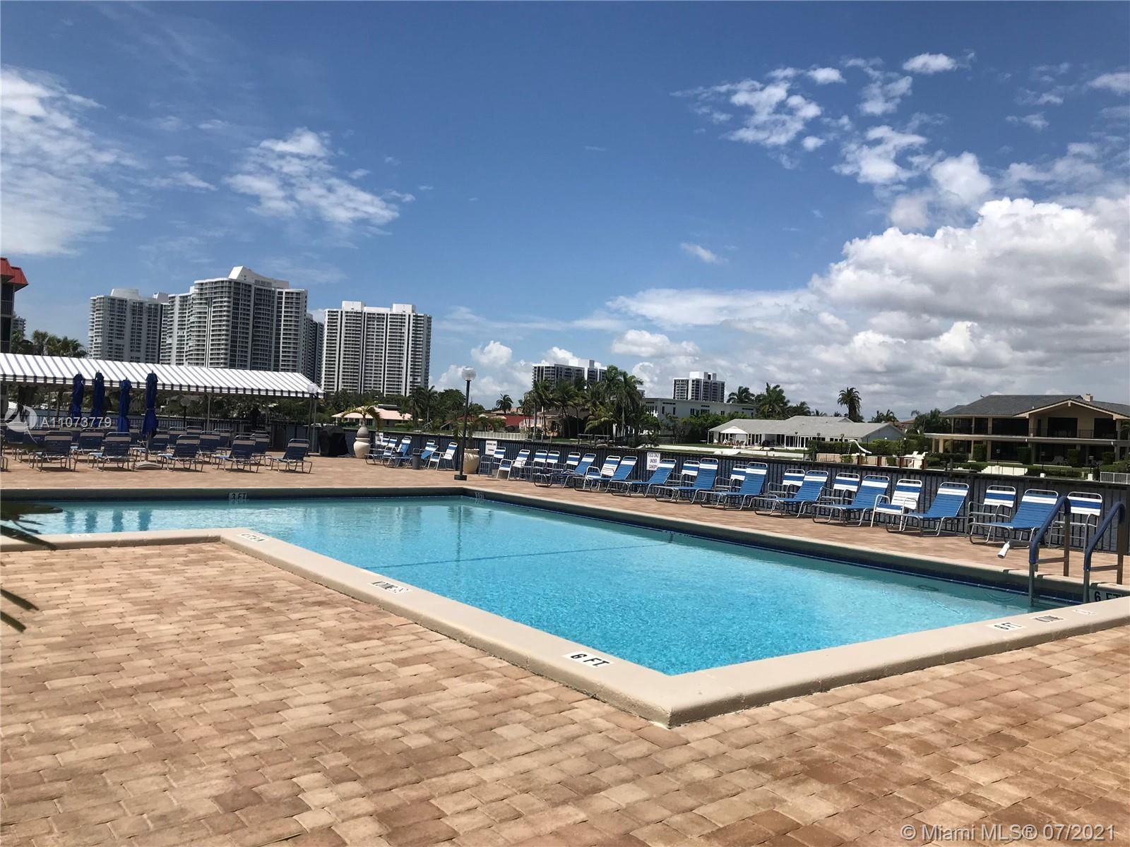 STUNNING VIEWS!! 2BED/2BATH PENTHOUSE !!BEAUTIFULLY KEPT THIS PENTHOUSE OFFERS TILES THROUGHOUT WHOL