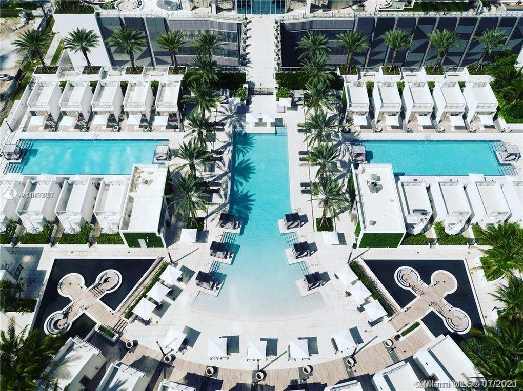 PARAMOUNT Miami Worldcenter, the building with the most amenities in the world. The 2,204 Sq. Ft mod
