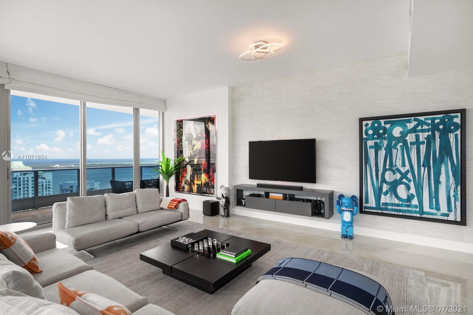 Step Inside With Me! Enter your lower penthouse with sweeping Eastern views of Biscayne Bay and Miam