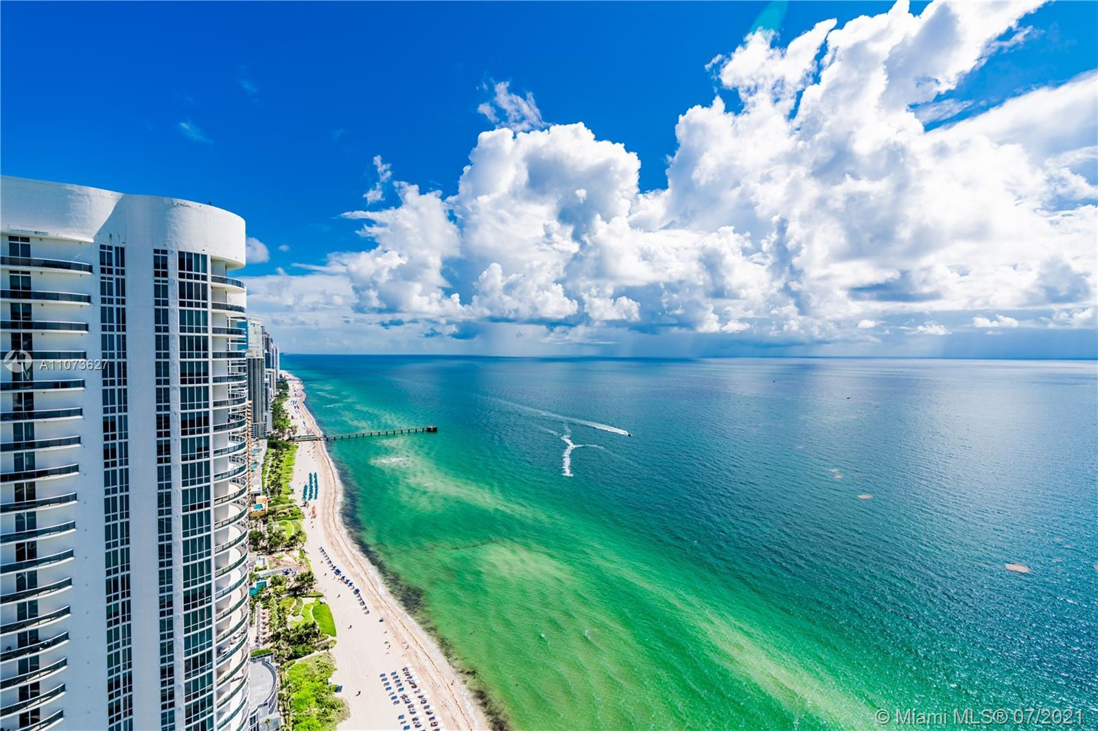 Desirable Unit at Trump Tower with and Breathtaking View to the Ocean! This Fantastic  3 Bedrooms (