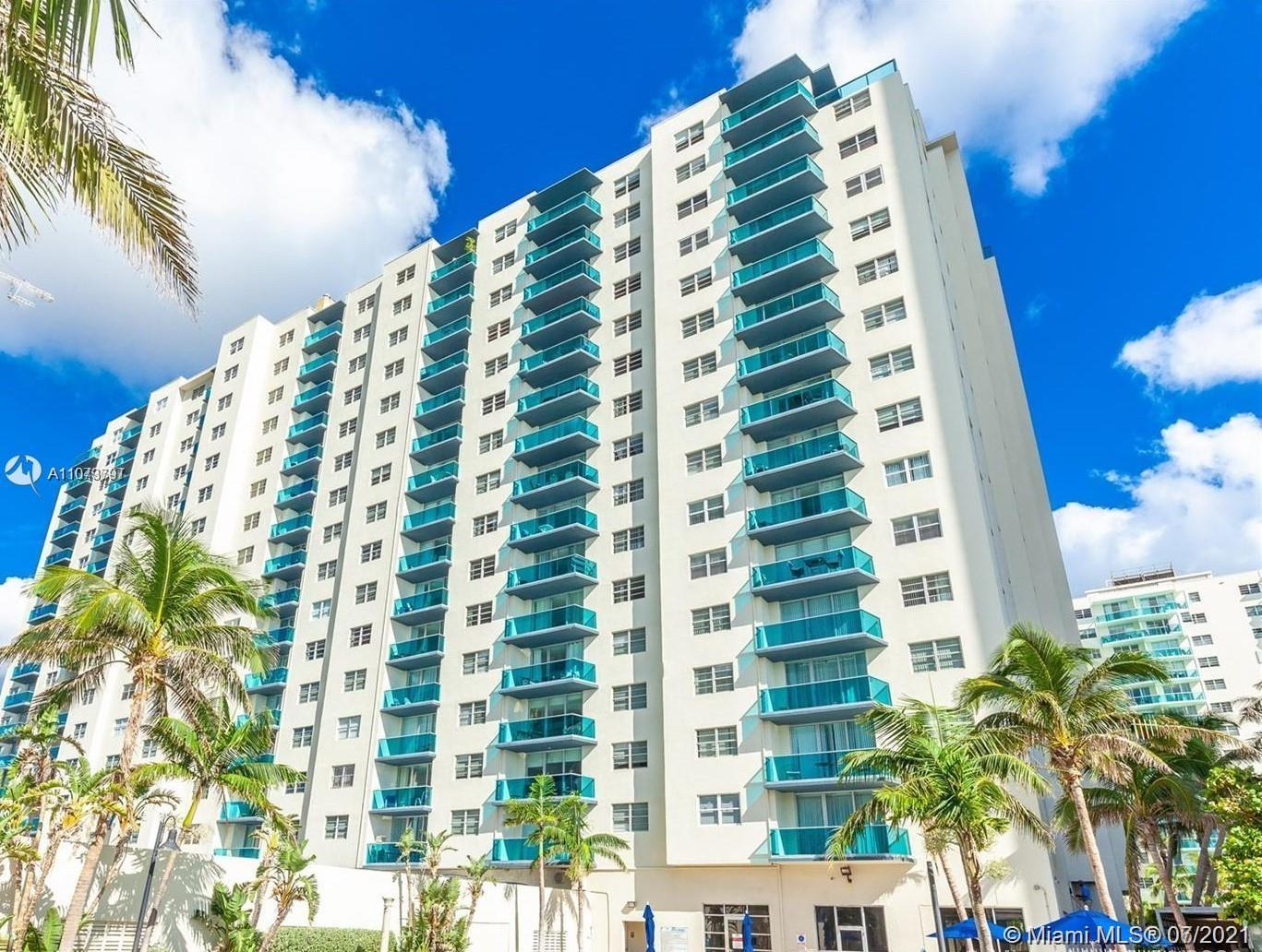 INVESTOR's DREAM !!!! Beautiful, bright and spacious 1 bedroom/1.5 bathrooms in a Resort Style Ocean